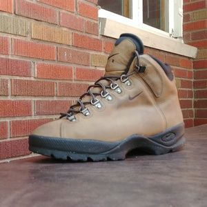 VINTAGE 1990S WOMENS NIKE ACG HIKING TRAIL BOOTS S